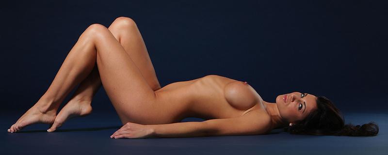 Rachelle Wilde naked on barstool