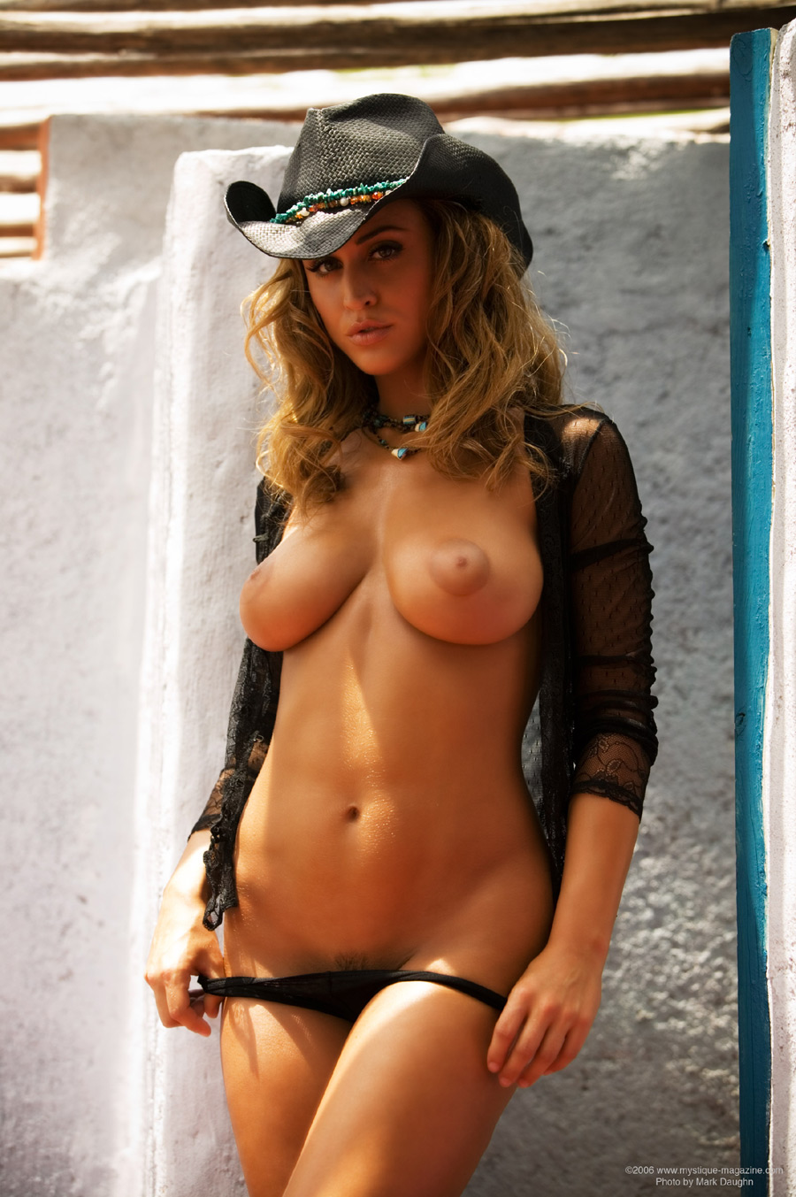 fuckings-mallus-nude-girls-with-cowboy-hat