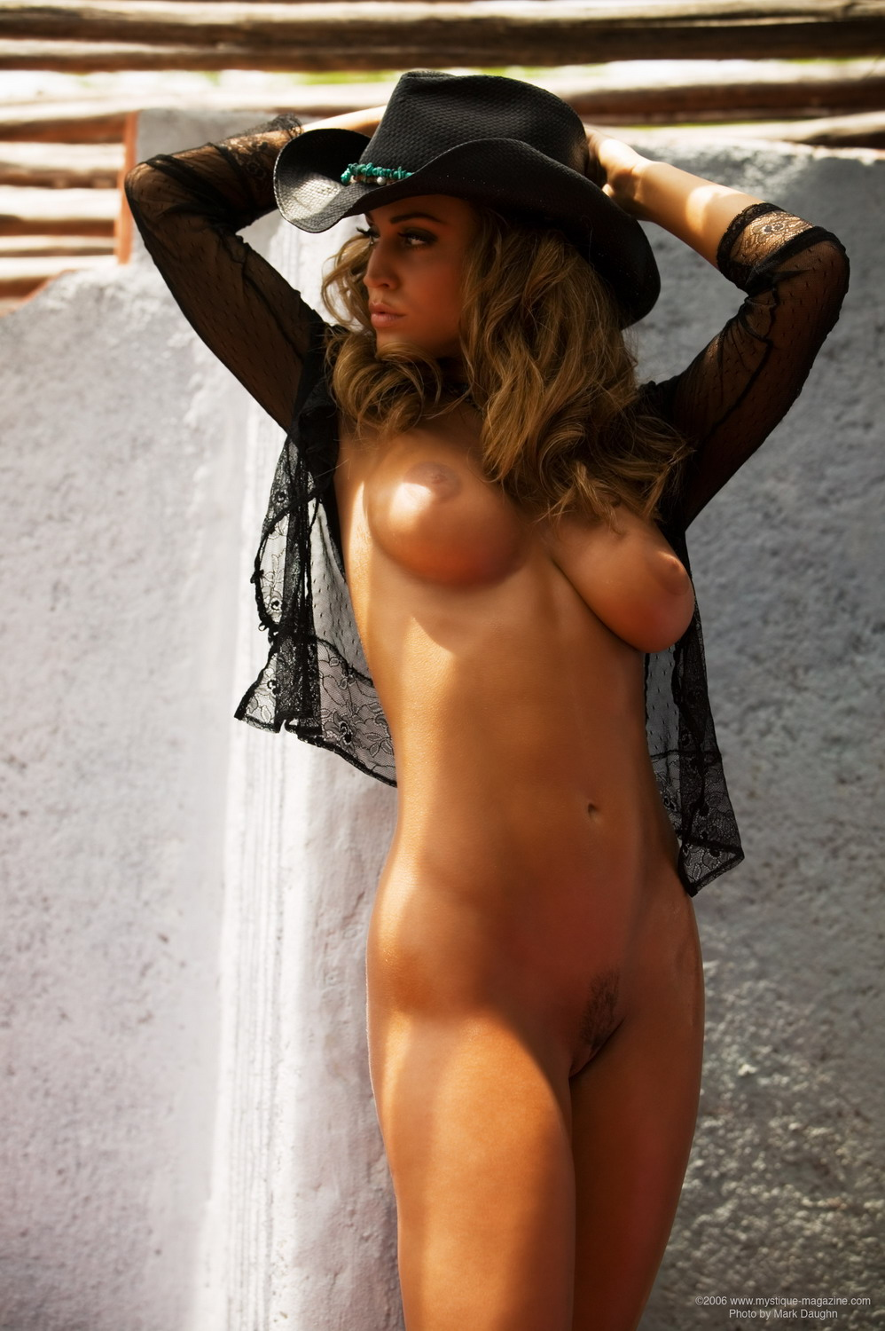 Martinezporno emage nude girls with cowboy hat