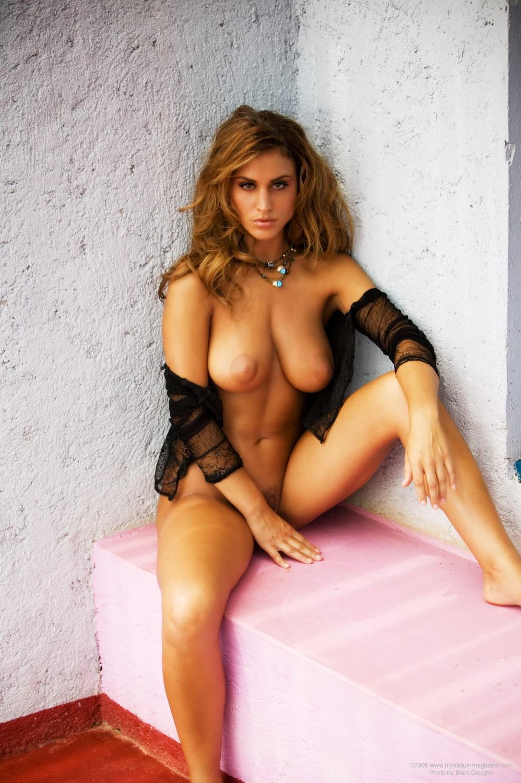 Blonde naked girls big ass