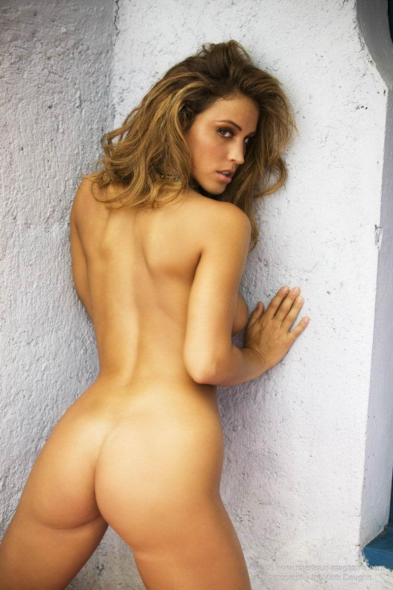 rebecca-ecw-nude-emplix-pantyhose-buttplug