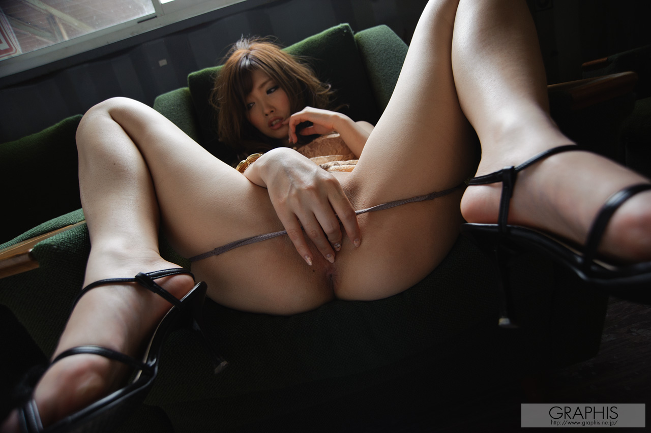 rina-kato-office-container-asian-naked-graphis-19