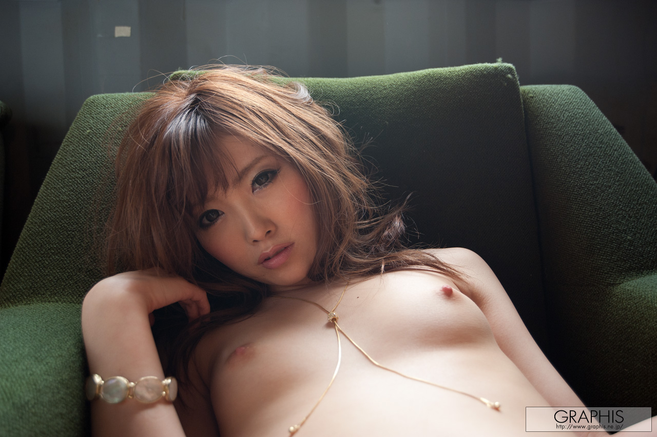 rina-kato-office-container-asian-naked-graphis-33