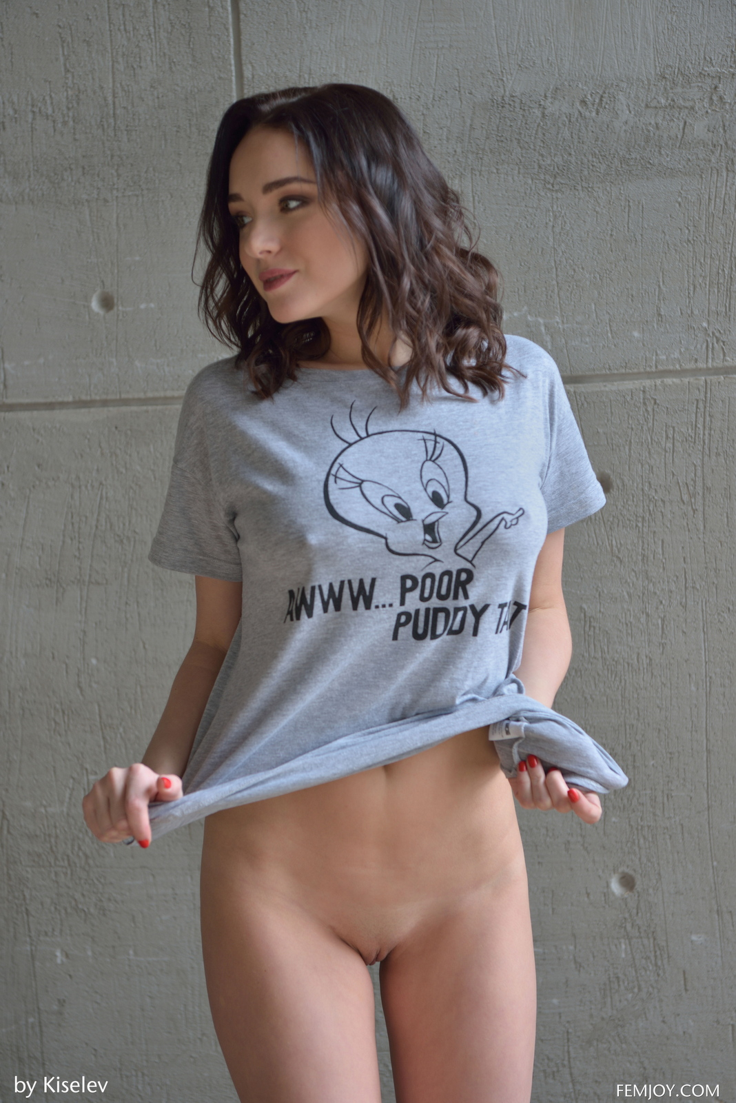 nika-a-naked-bottomless-grey-shirt-pussy-femjoy-04