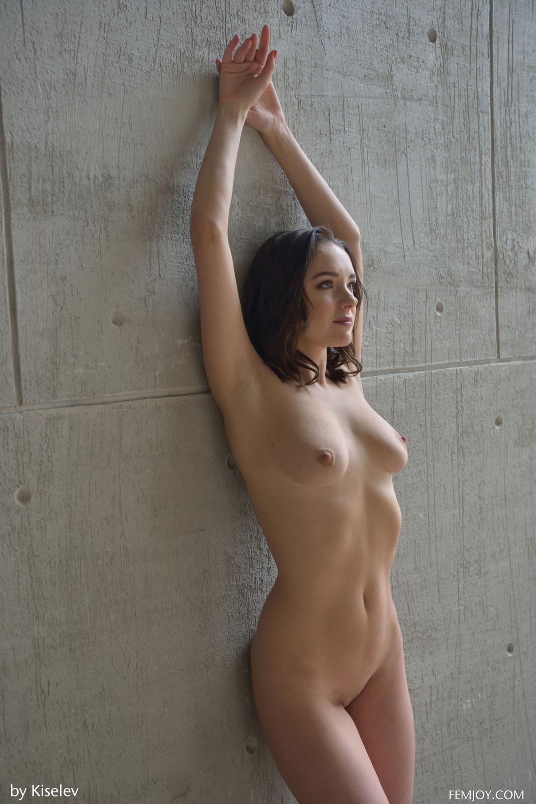 nika-a-naked-bottomless-grey-shirt-pussy-femjoy-35