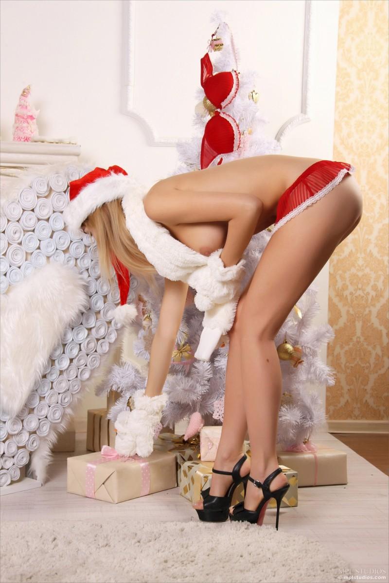 Santas Girls  Danica - Redbust-9837