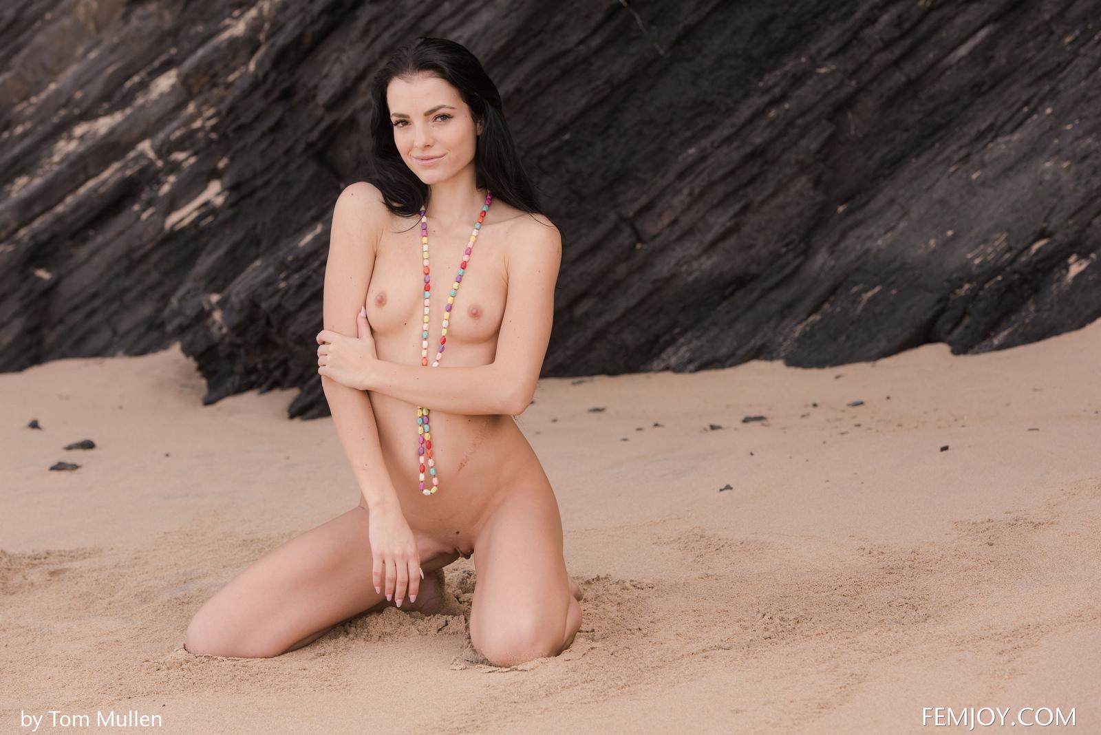 sapphira-brunette-beach-naked-bikini-seaside-femjoy-22