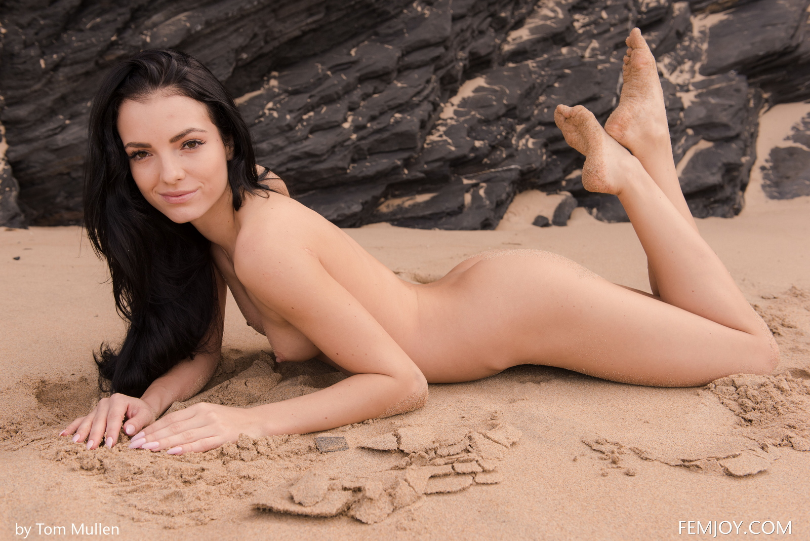 sapphira-brunette-beach-naked-bikini-seaside-femjoy-42