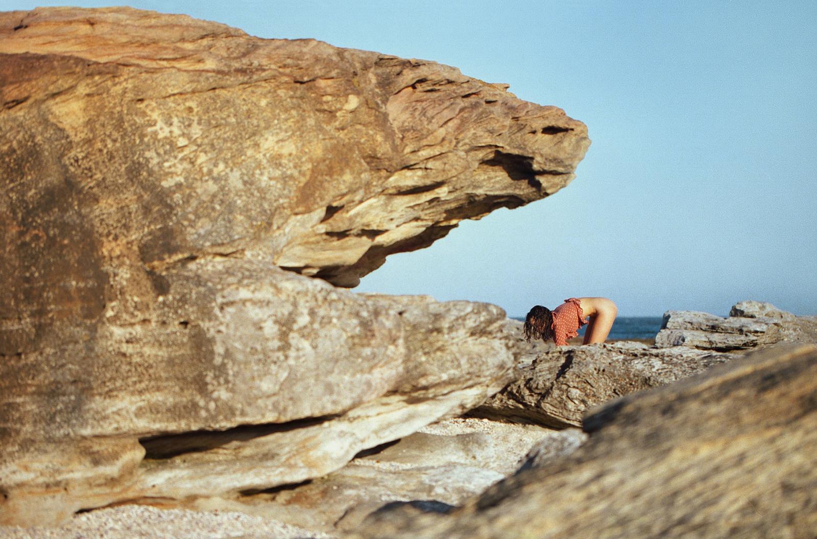 sarah-stephens-seaside-erotic-photo-by-cameron-mackie-01