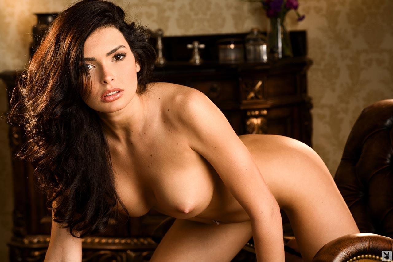 Мисс венесуэла эро фото, из маек видна грудь фото