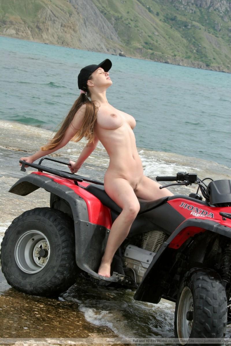 naked women on quads