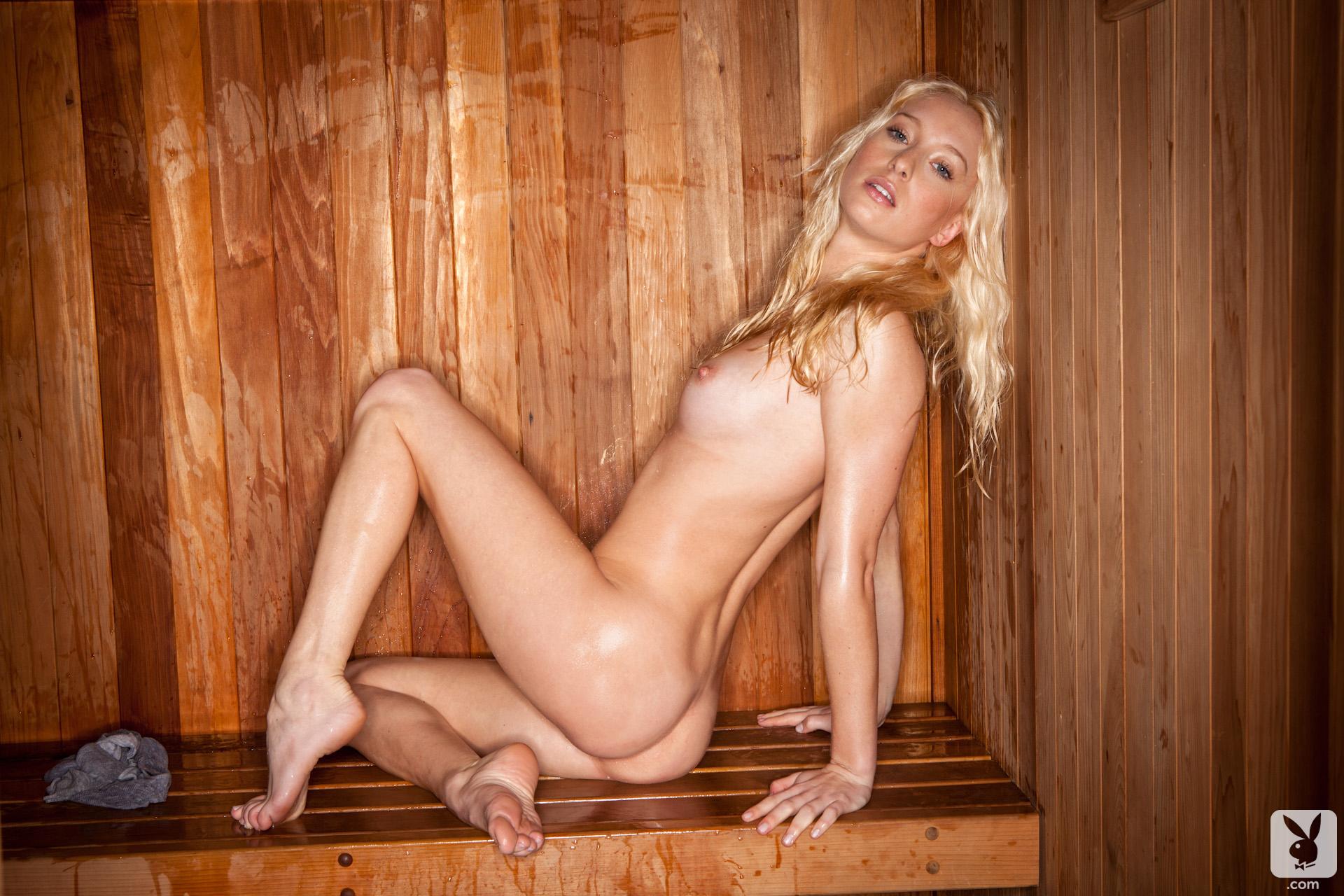 girls-nude-in-sauna-72