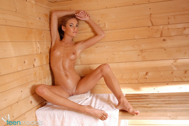 Teen girl sauna nu
