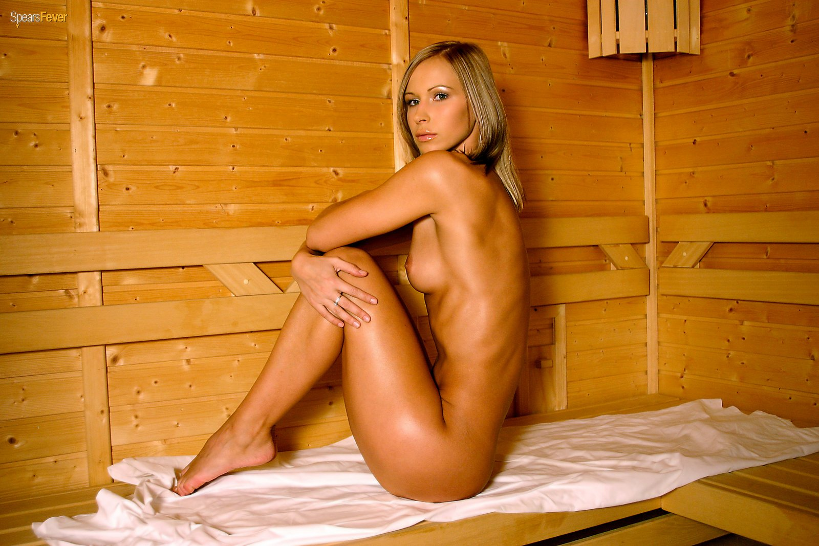almost-naked-woman-sauna