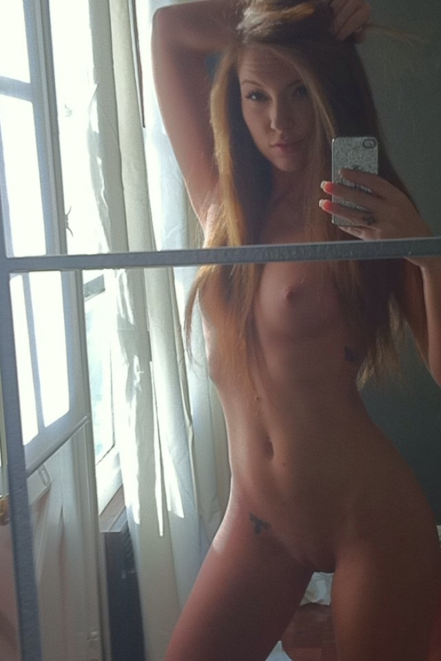 cell phone pics of nude blonde girls