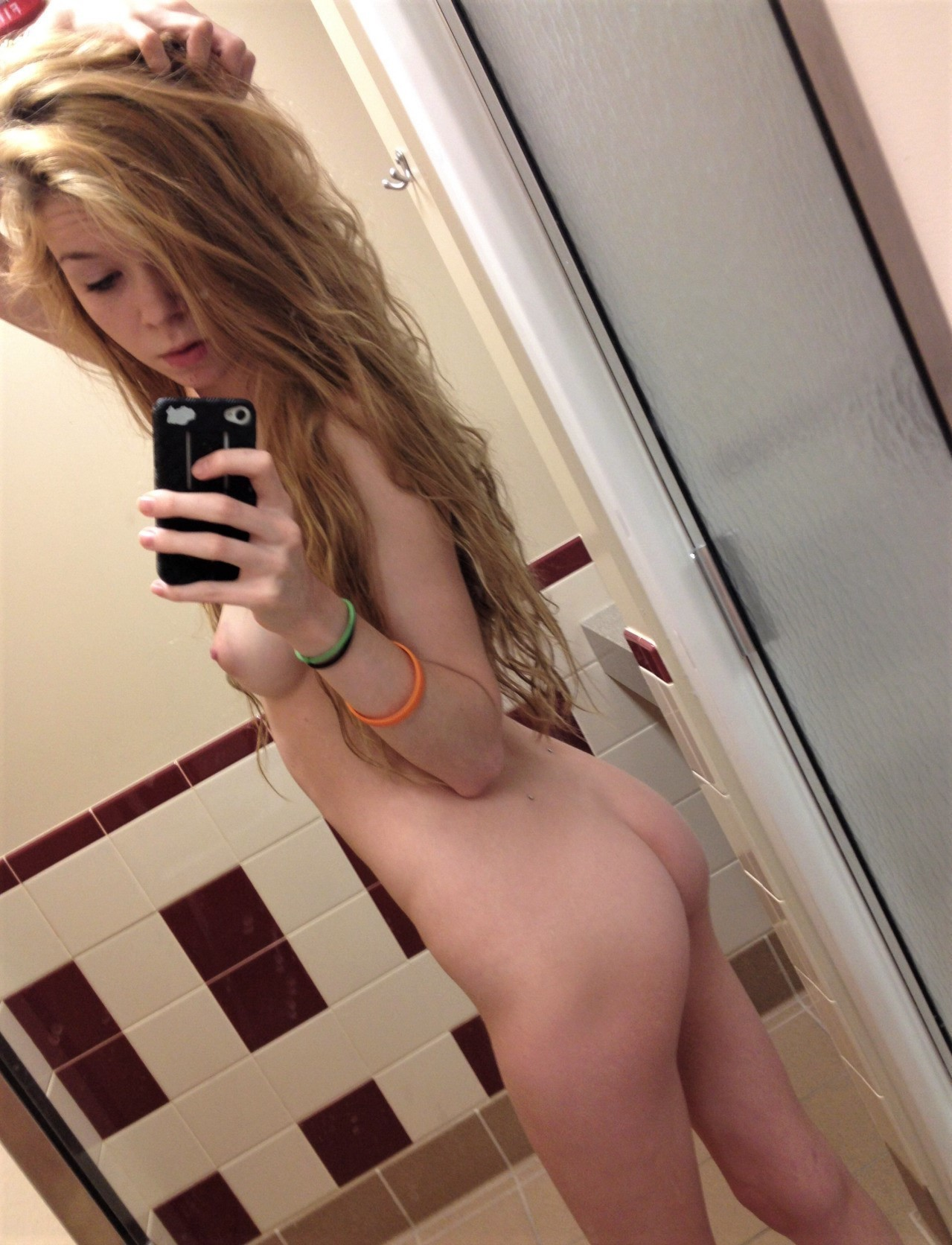 selfie-naked-girls-selfshot-amateur-mix-vol5-24