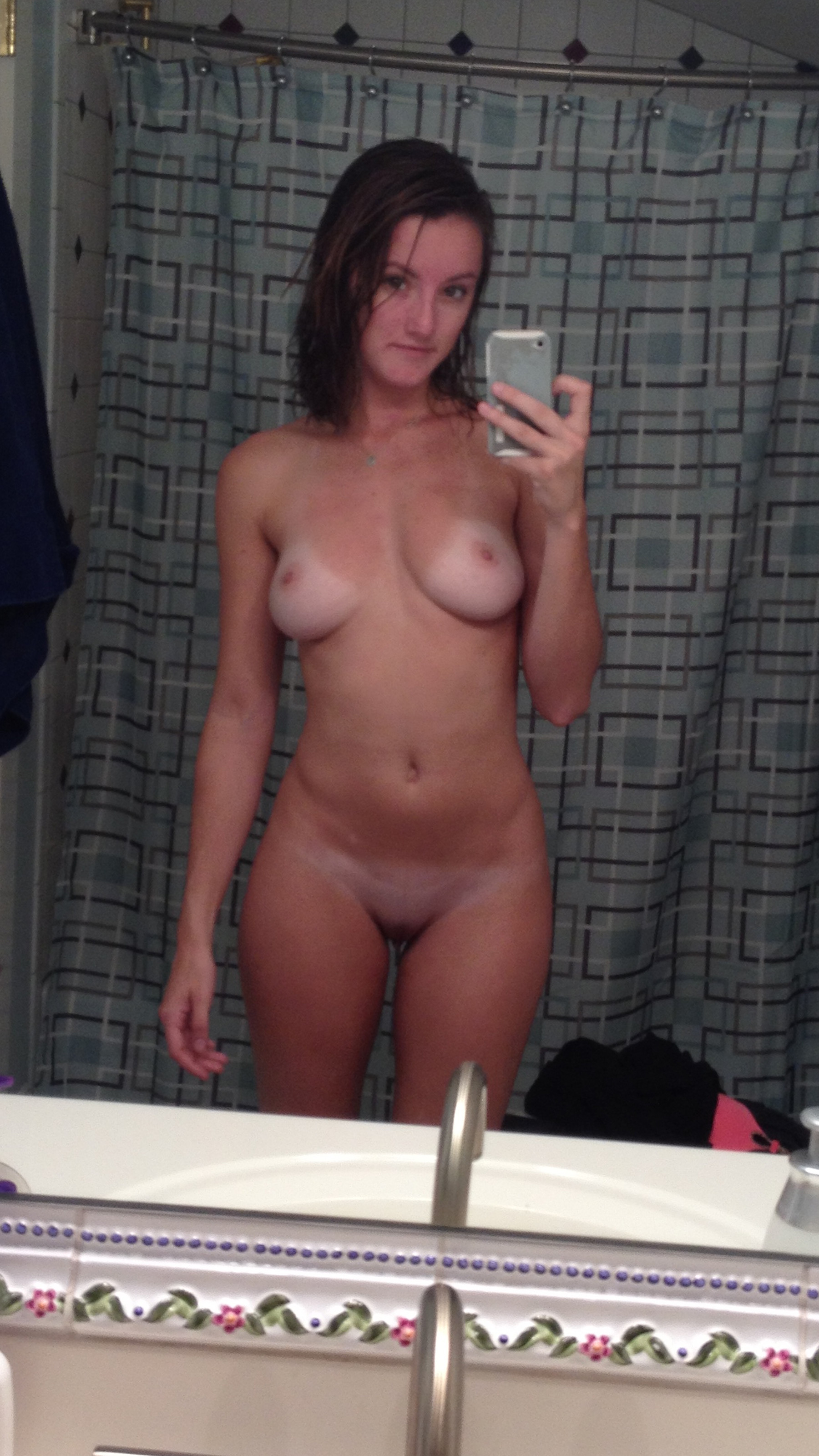 selfie-naked-girls-selfshot-amateur-mix-vol5-60