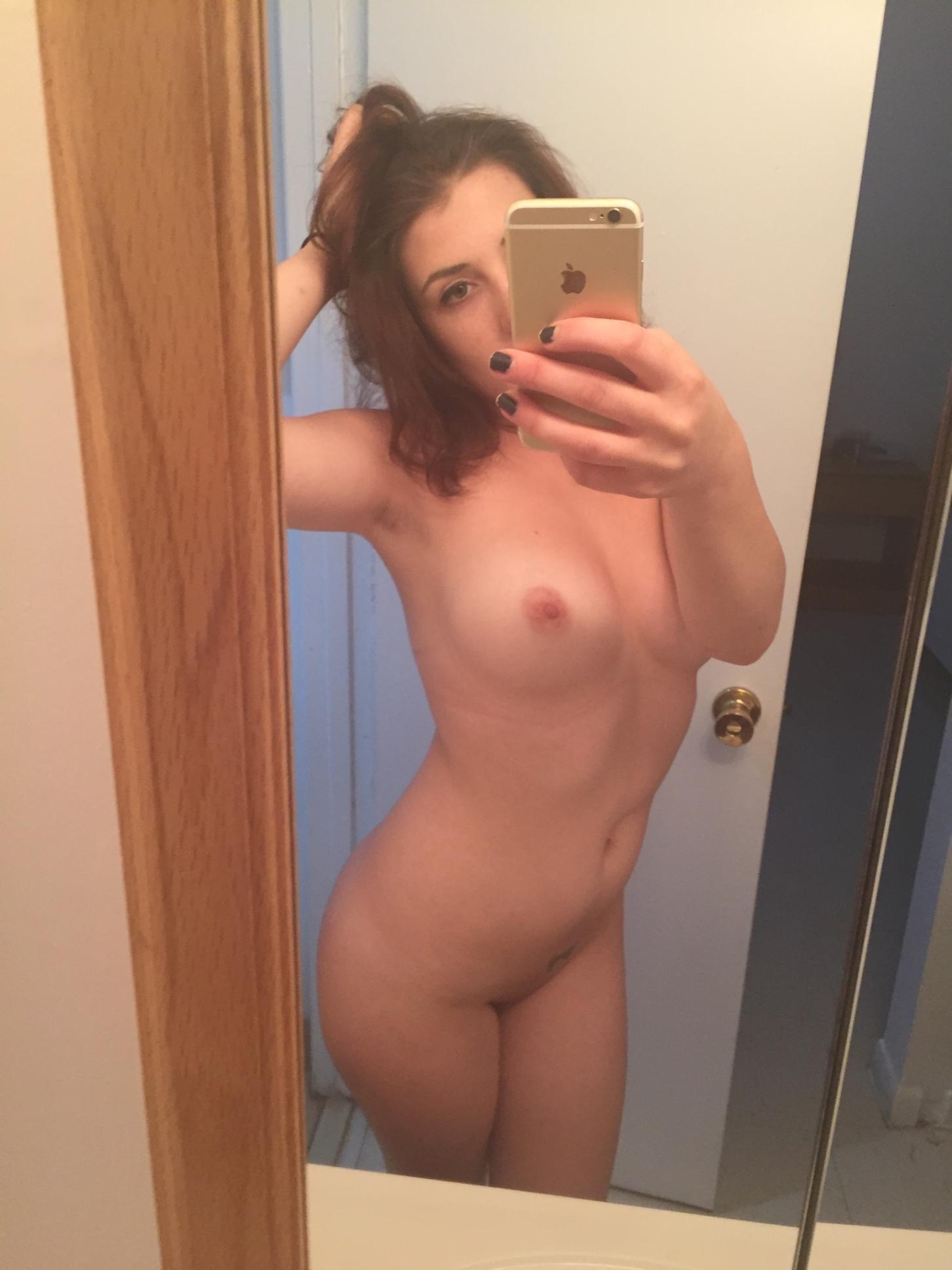 selfie-naked-girls-selfshot-amateur-mix-vol5-77