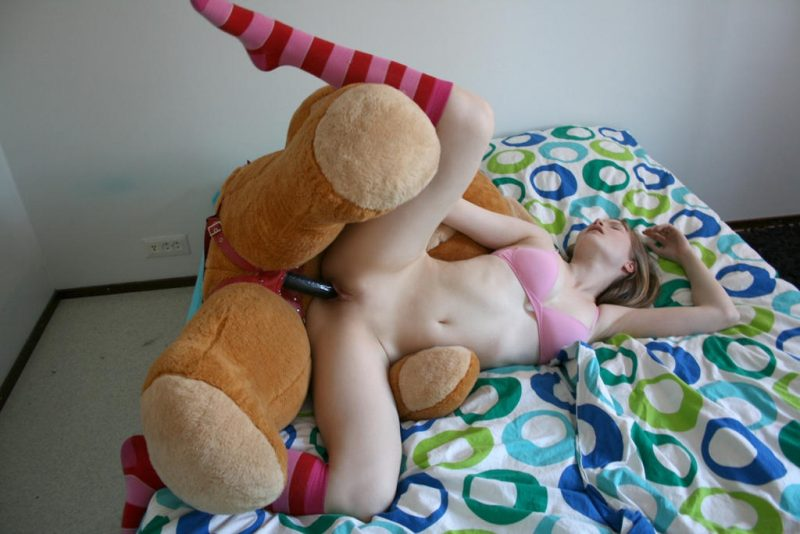 Women having sex with a teddy bear-8290