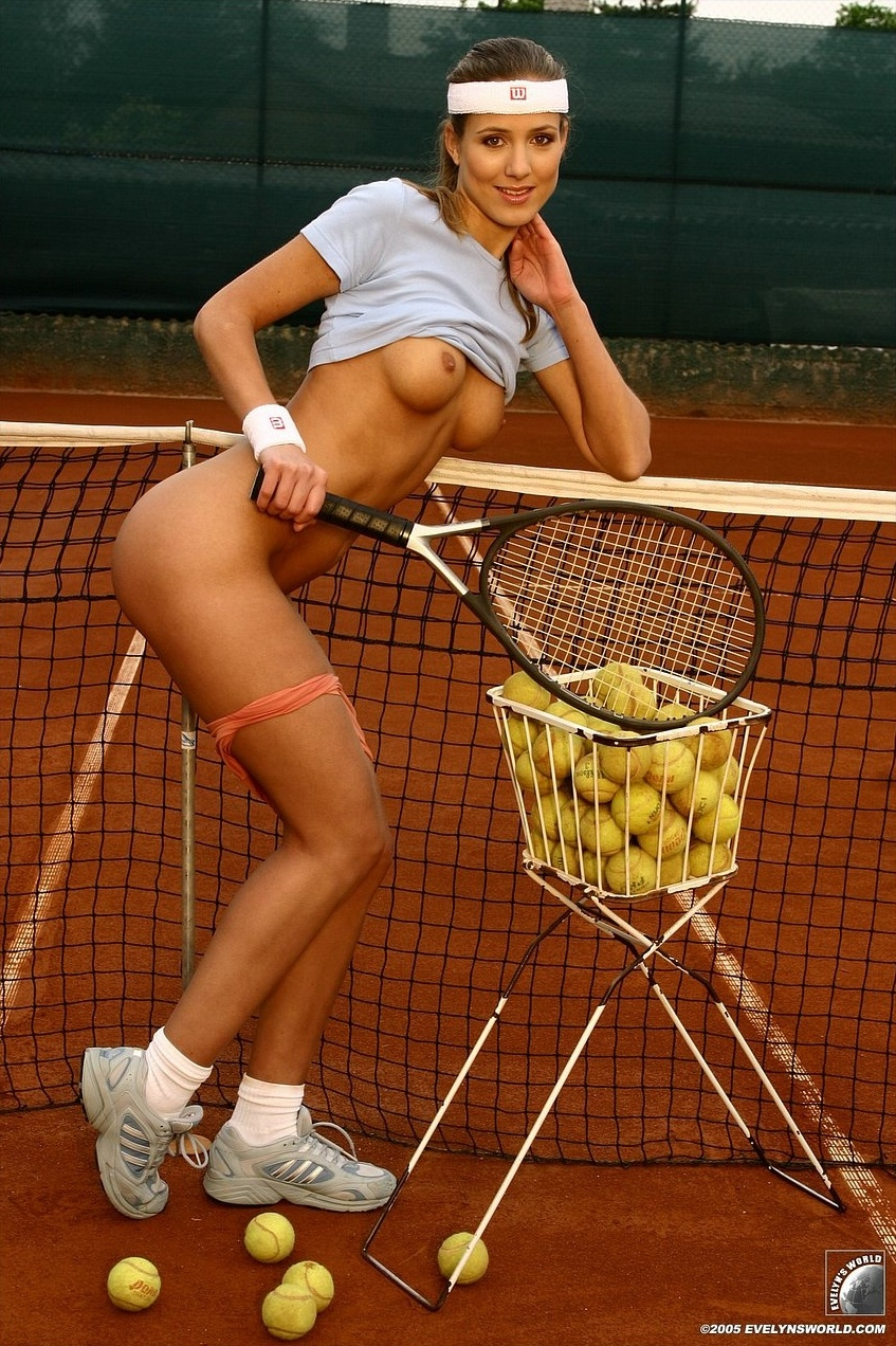Hot naked tennis chick topless video