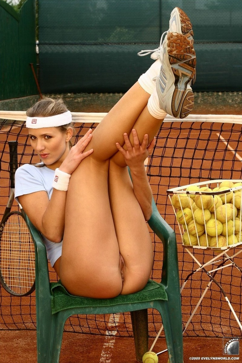 black naked tennis women