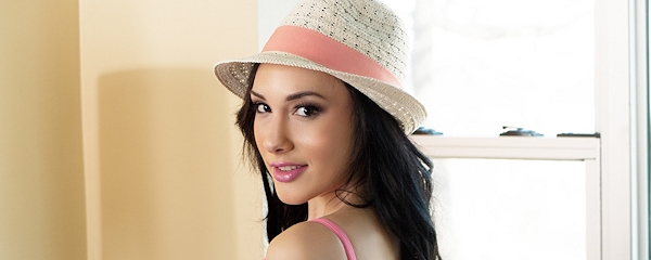 Shay VanBurin – Nude in hat