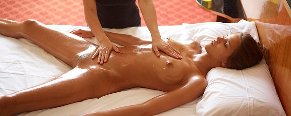Silvie – Lesbian massage