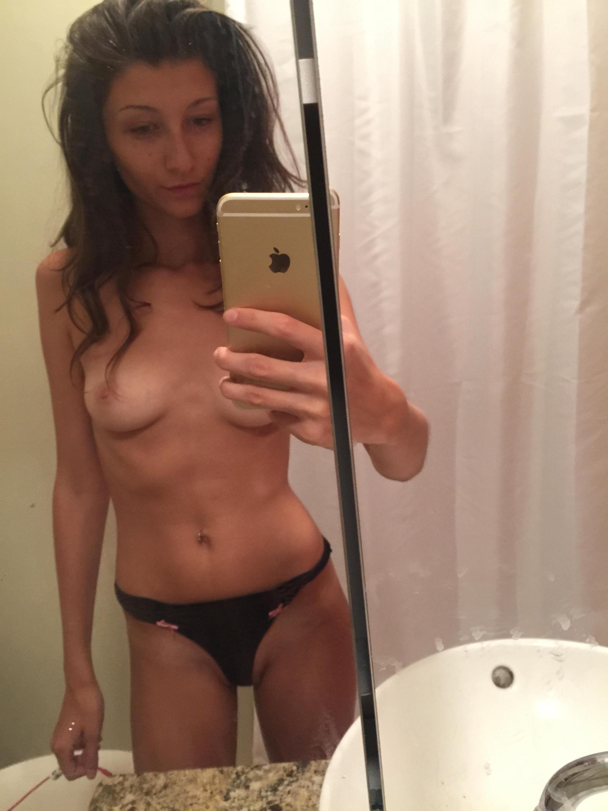 slim-body-amateur-girl-selfie-pics-mirror-nude-13