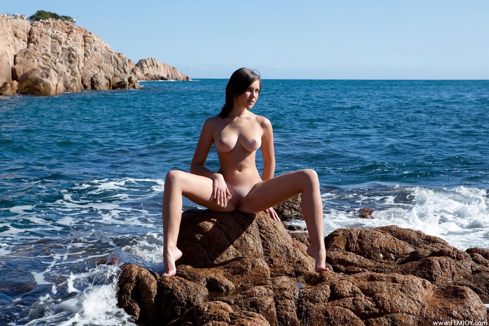 sophia-h-seaside-naked-boobs-rocks-femjoy-10