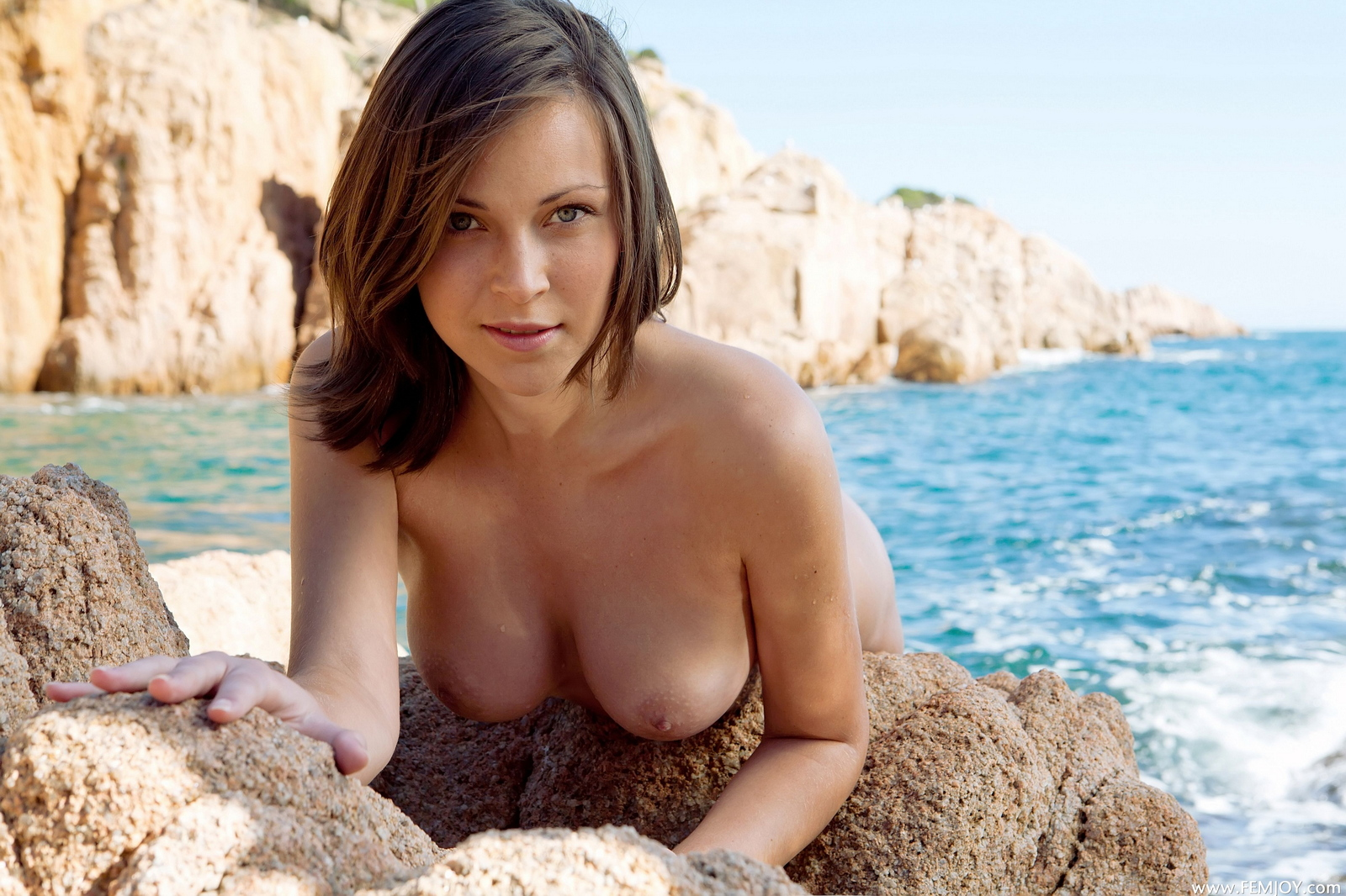 sophia-h-seaside-naked-boobs-rocks-femjoy-22
