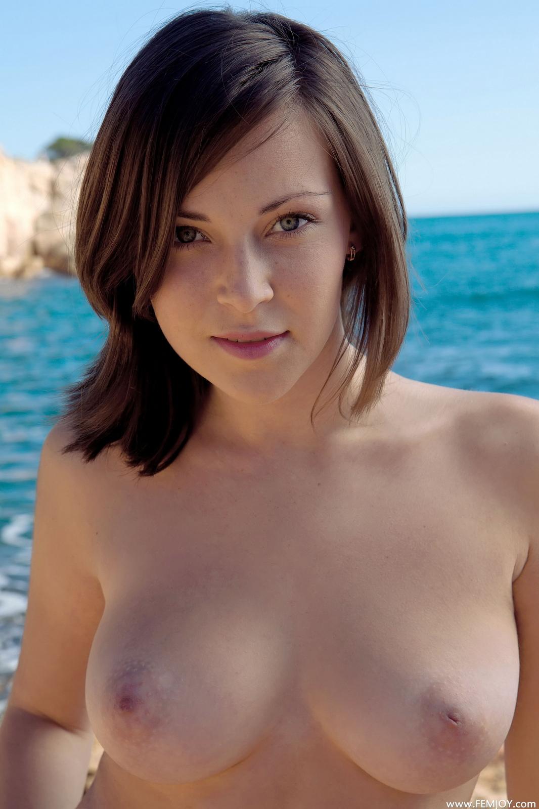 sophia-h-seaside-naked-boobs-rocks-femjoy-26