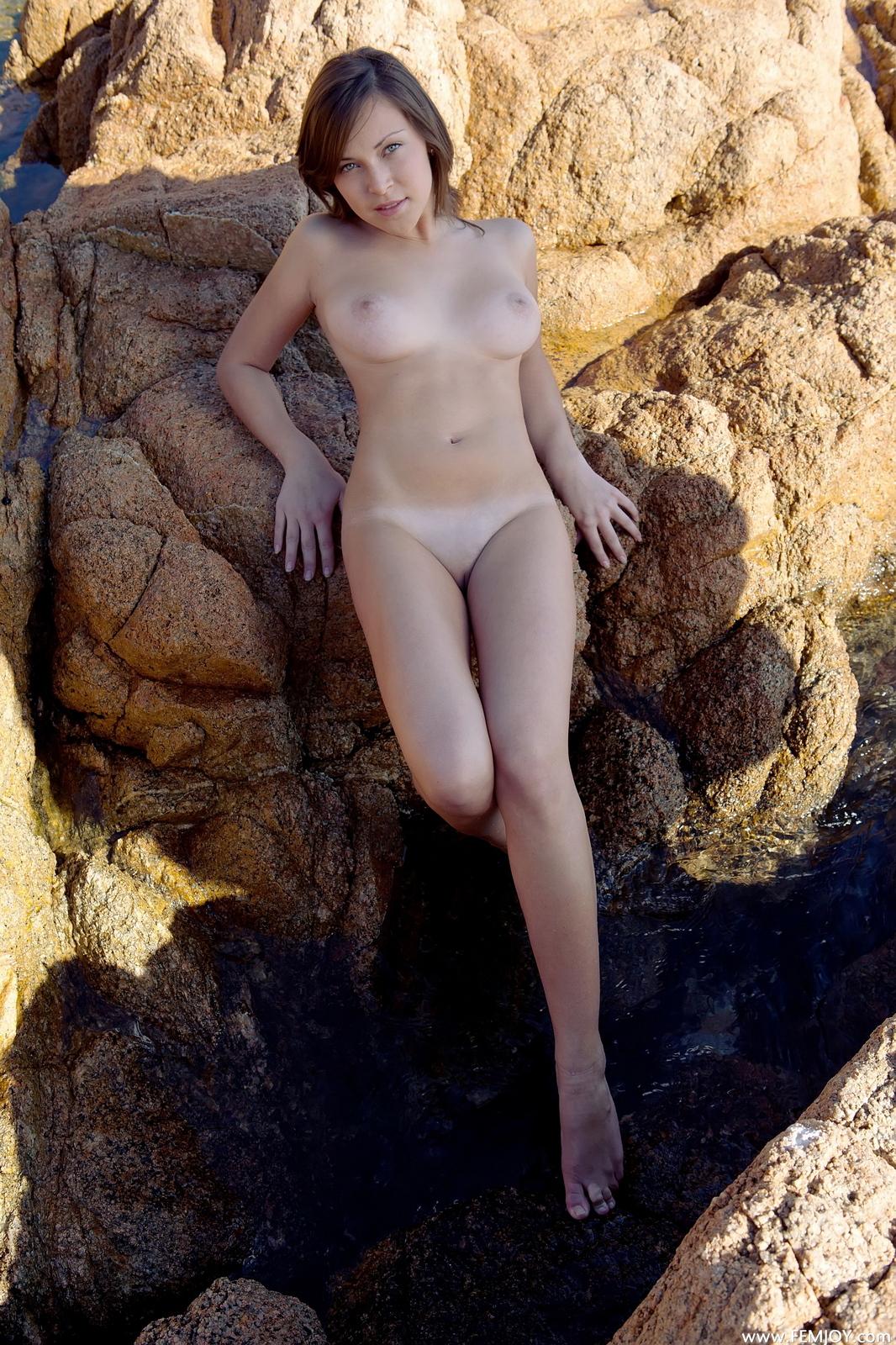 sophia-h-seaside-naked-boobs-rocks-femjoy-36