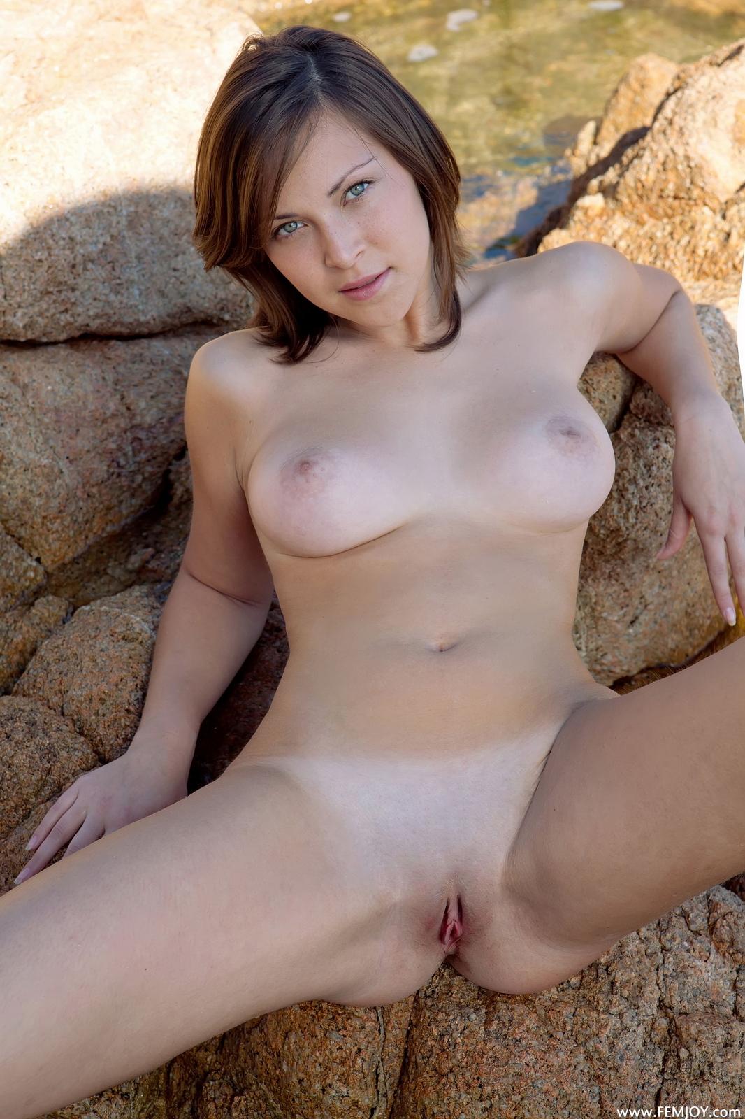 sophia-h-seaside-naked-boobs-rocks-femjoy-37