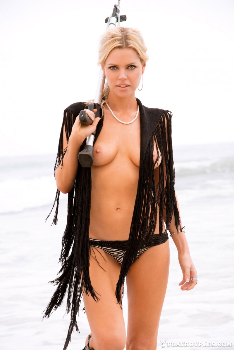Best celeb tits from the late 70s getting tied up and oiled - 1 part 10