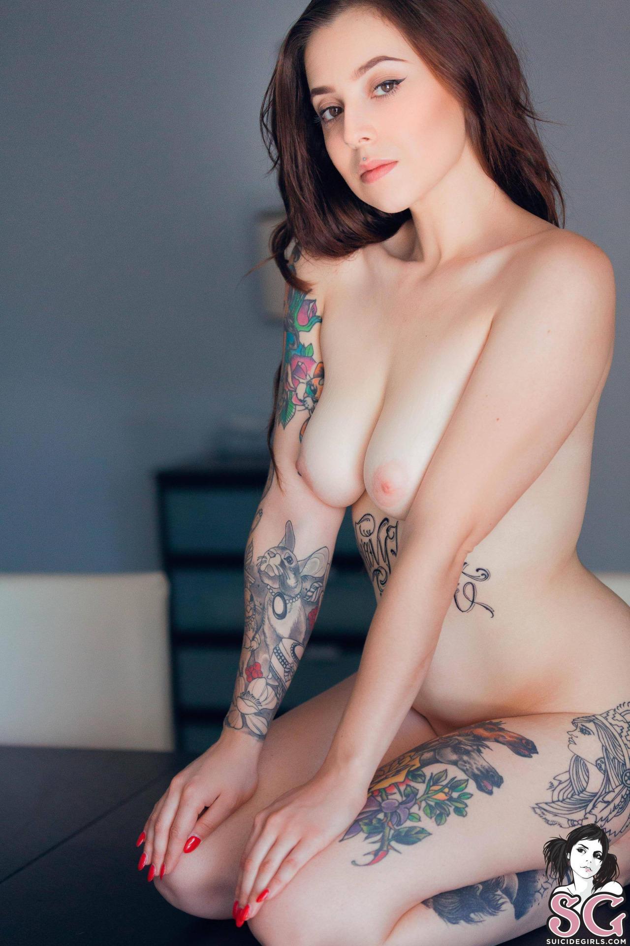 amateur-bedroom-vice-suicide-girls-nude