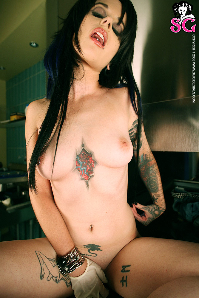 Nude tattooed females pictures