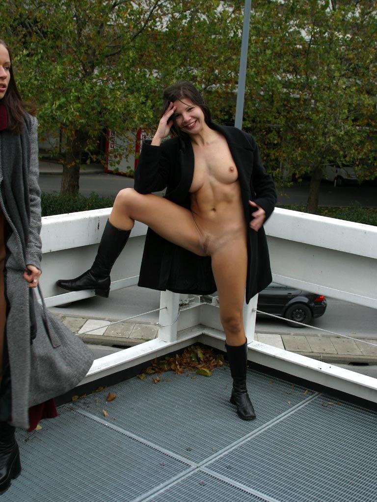 edita s nude in public