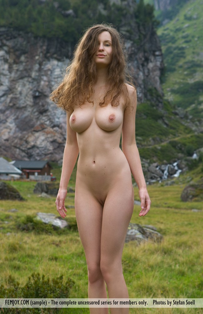 Susann Naked In The Mountains-1413