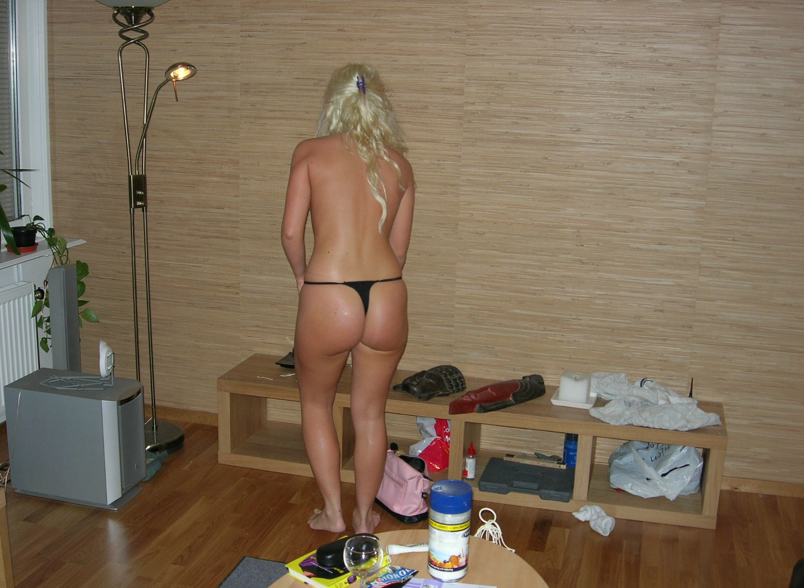 blonde-amateur-girl-from-sweden-young-naked-01
