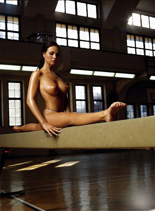 Sexy women gymnasts photos