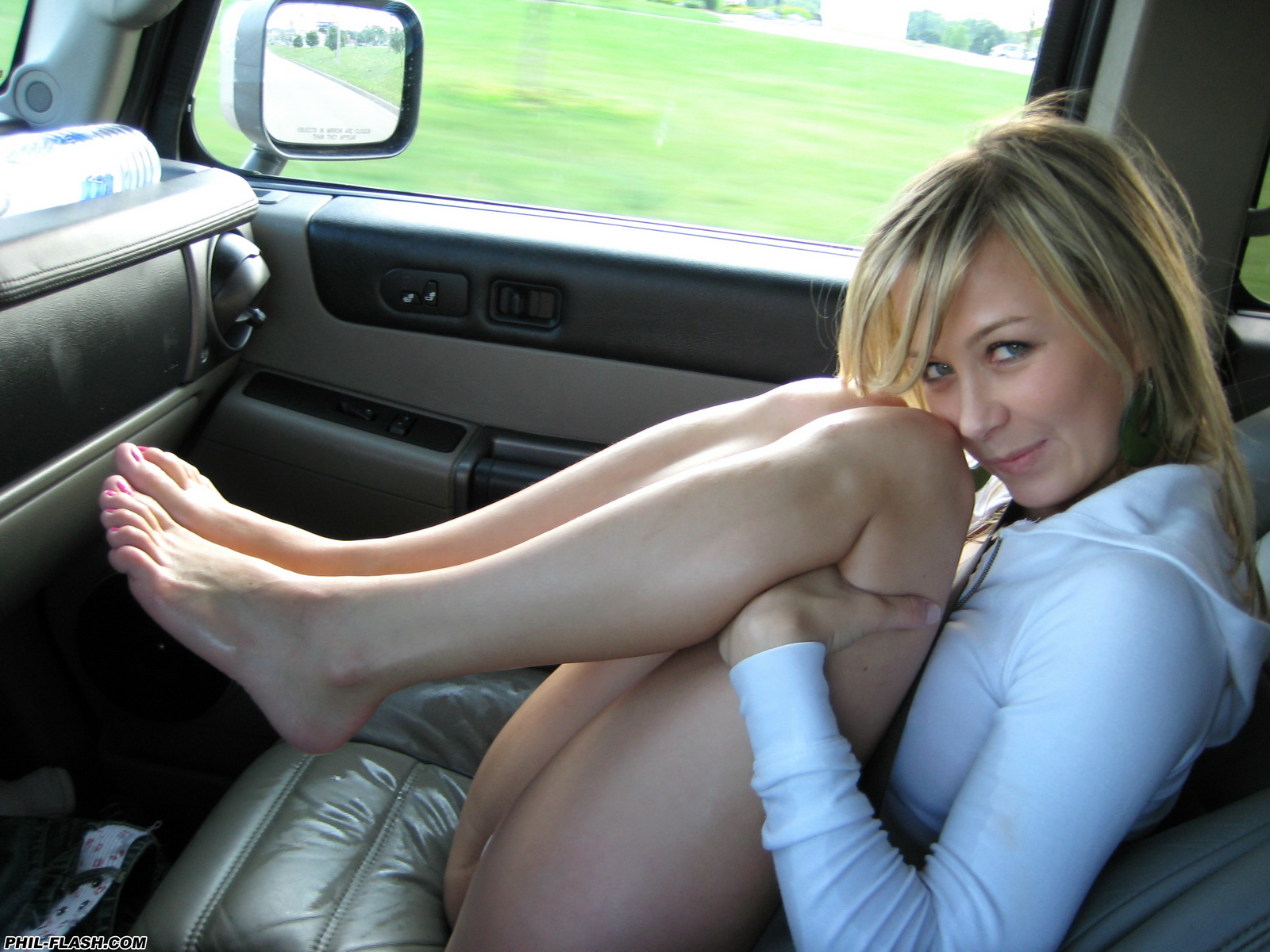 kasia-young-blonde-nude-wet-carwash-phil-flash-30