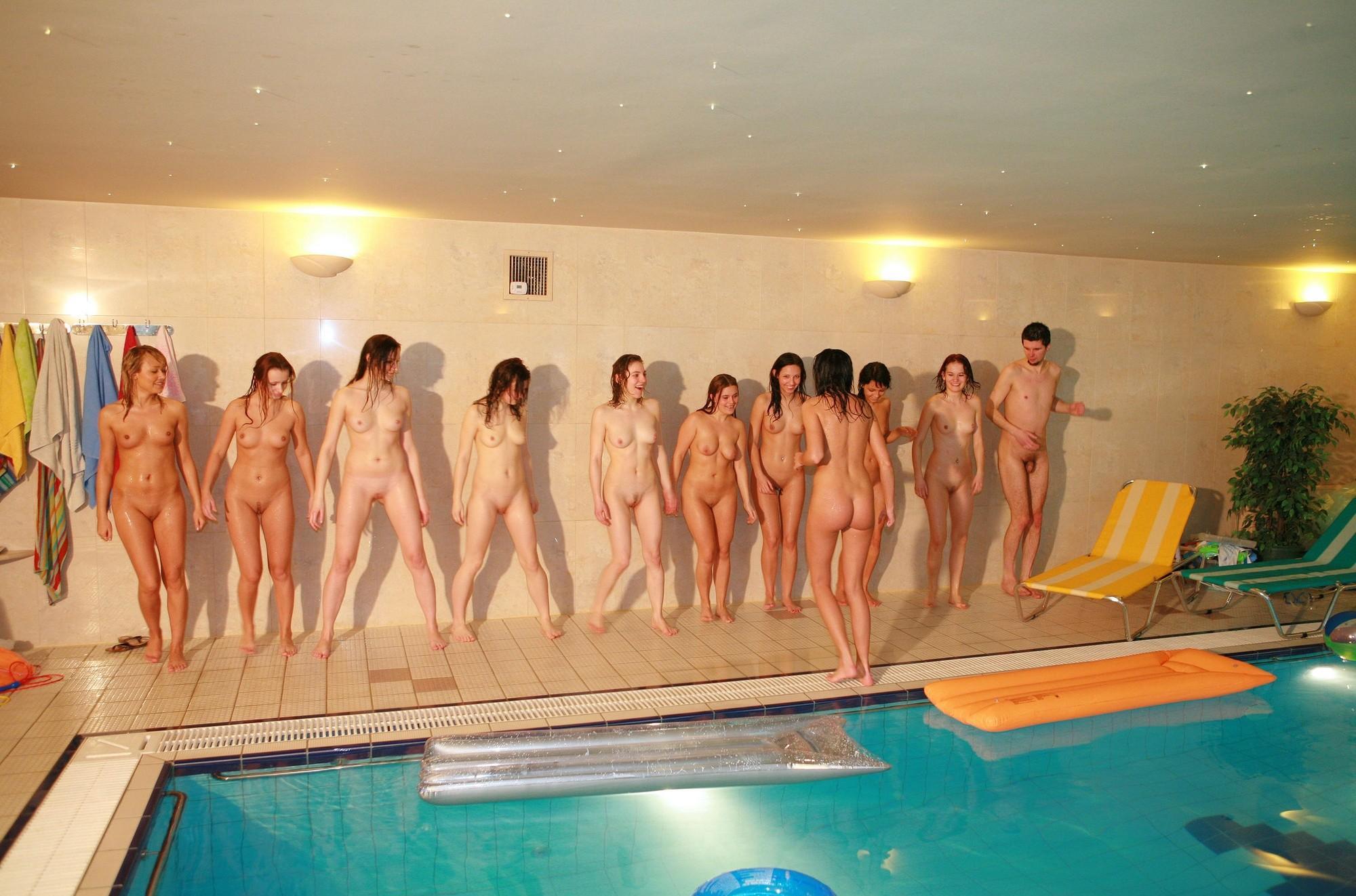 ten-girls-&-one-guy-sauna-17