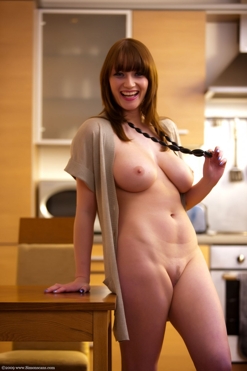 Thelma In The Kitchen - Redbust-4861