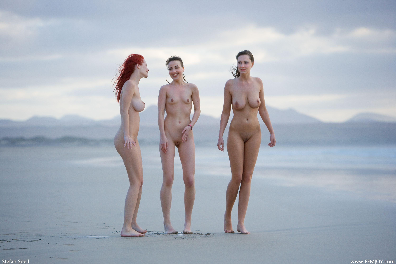 naked-trio-girls-photo-mix-lesbians-vol3-17