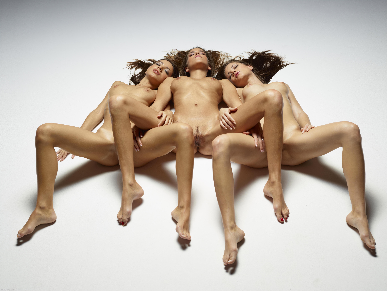 naked-trio-girls-photo-mix-lesbians-vol3-62