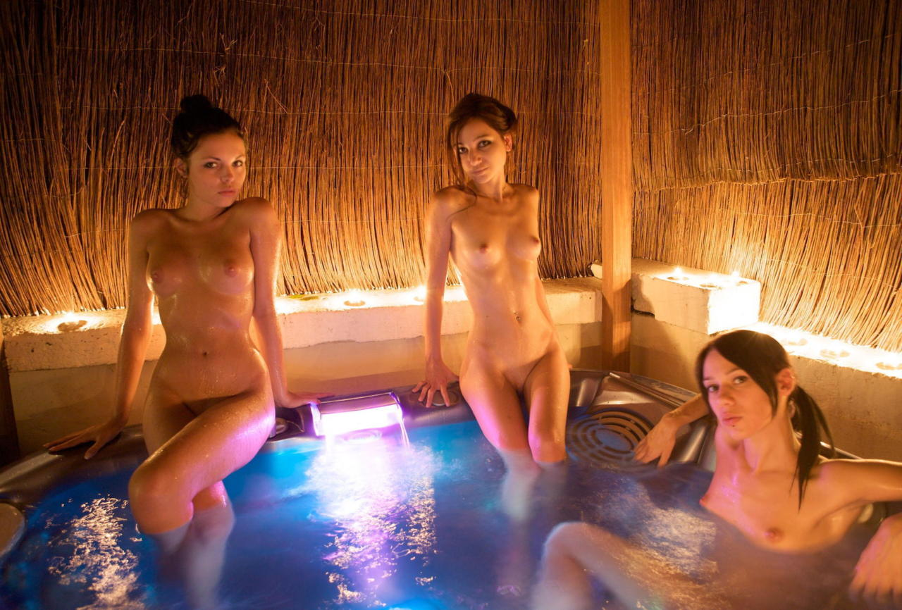 women-naked-girls-in-hot-tub-images-porn
