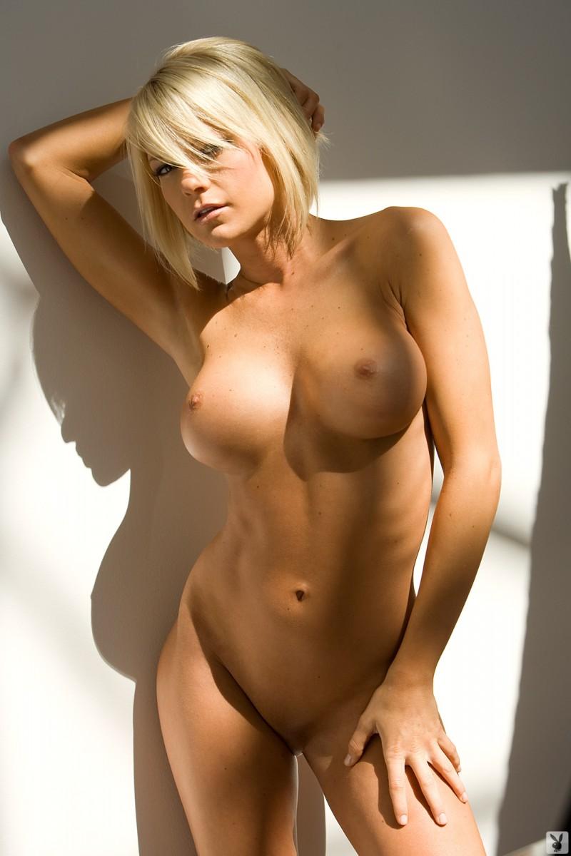 Tiffany Selby  nackt