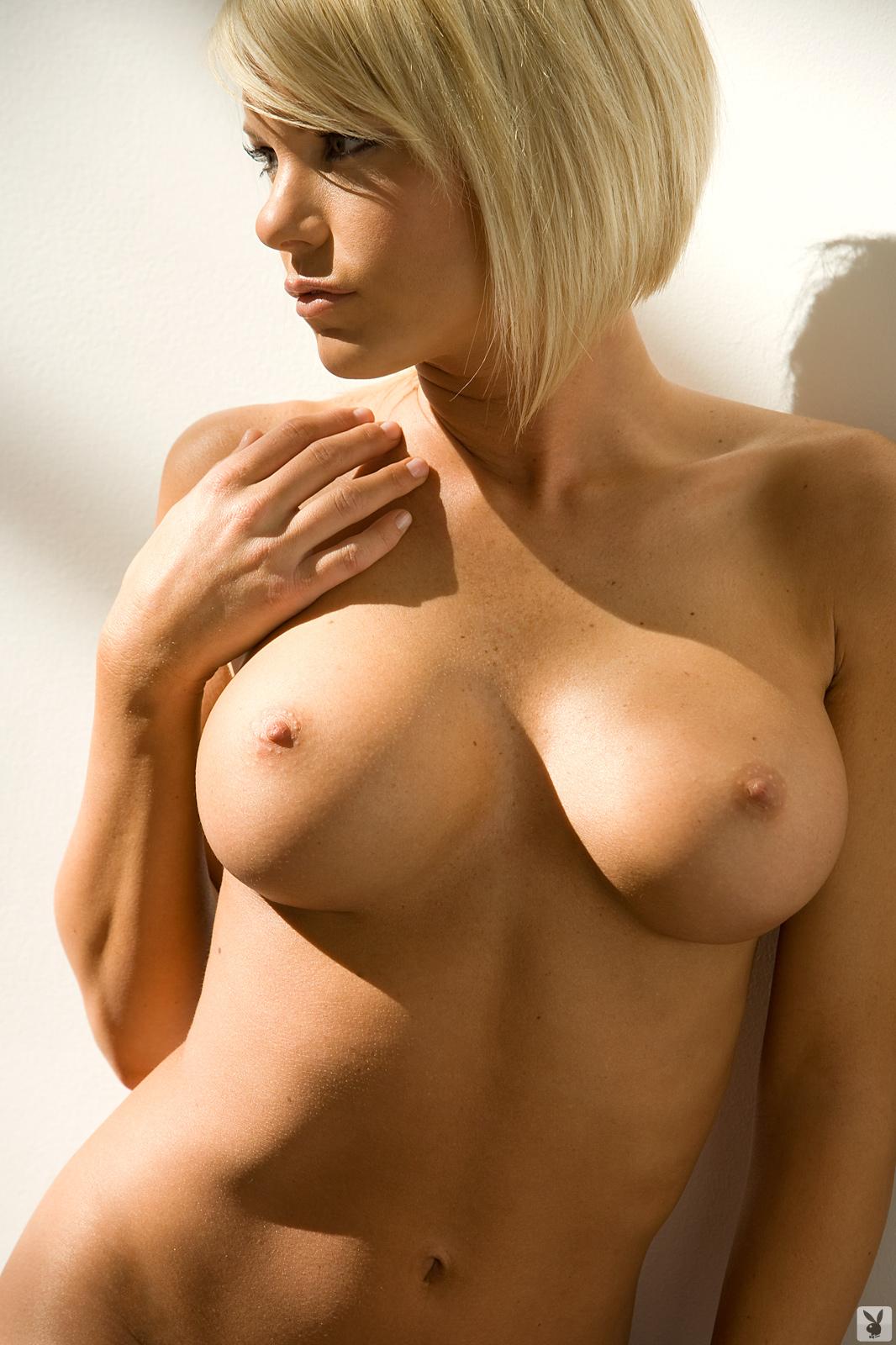 Голая блондинка с третьим размером фото, секс видео отомстила парню