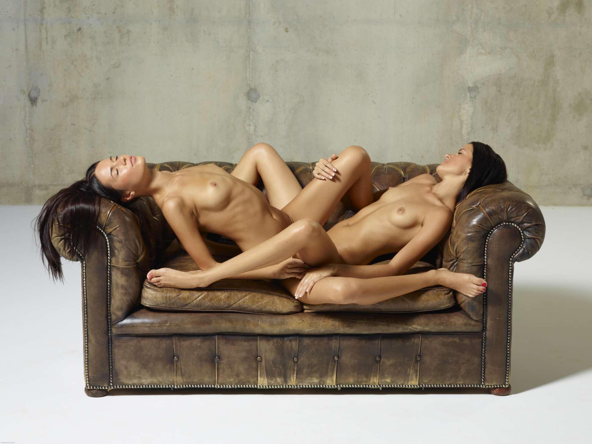 tribbing-lesbian-naked-scissoring-girls-mix-08