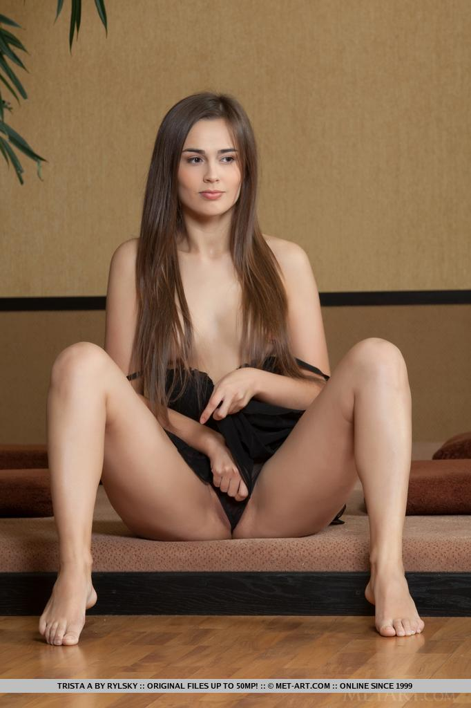 Are Nude met art trista right! seems